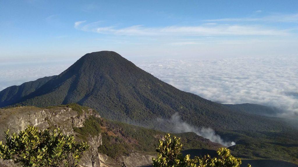 Taman-Nasional-Gunung-Gede-Pangrango.-Foto-Gmap-Abhi-Supryandi-e1556503633354