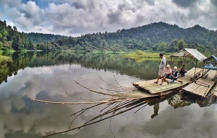 keliling-with-sampan