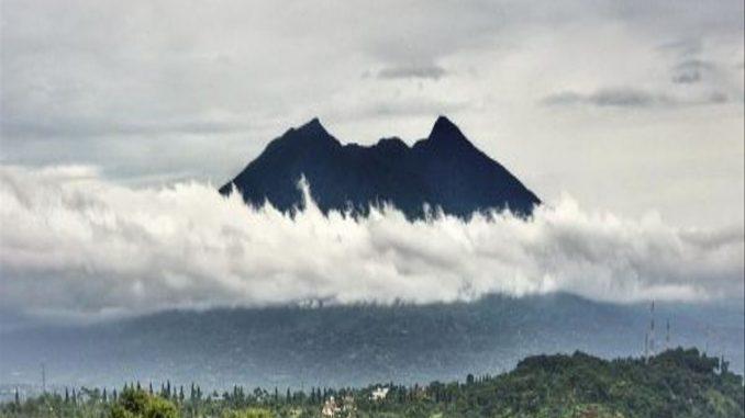 Cerita Mistis Gunung Salak
